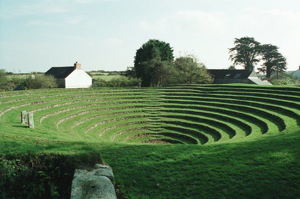 Gwennap Pit. Methodist open air meeting place. IoE 66900