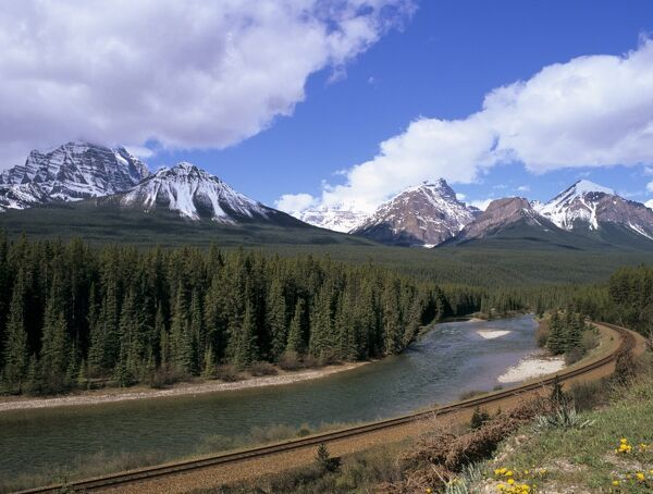Bow River and railway at Morants Curve #1134634 Puzzle ...