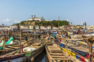 new/20191004 awl 5/africa ghana elmina harbour traditional wooden