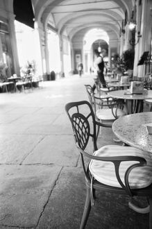 cafe tables chairs/turin italy cafe archway