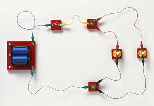 science technology/studio shot/electric circuit split branches parallel circuit